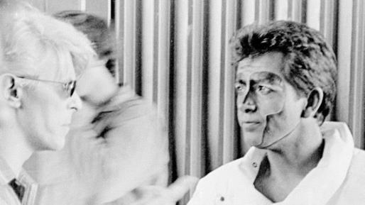 """פיטר גבריאל: """"דיויד בואי היה יחיד בדורו"""" (וידאו: מבחר מלהיטיו של בואי)"""