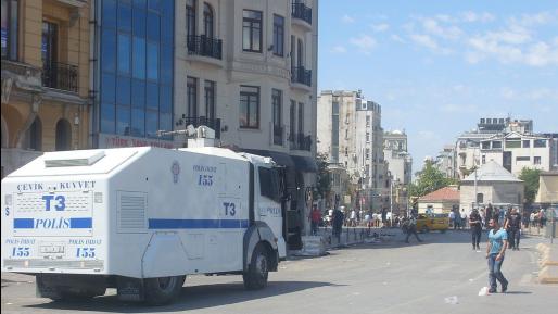 טורקיה: הרוגים ופצועים מפיצוץ מכונית תופת באיסטנבול