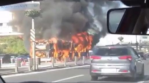 טורקיה: פצועים בפיצוץ ושריפת אוטובוס במרכז איסטנבול – הנסיבות נבדקות