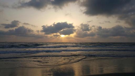 גופת אשה נמצאה ברכב בחוף הקשתות באשדוד