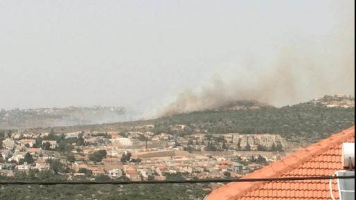 שריפת קוצים גדולה בשדה מוקשים באזור גינות שומרון