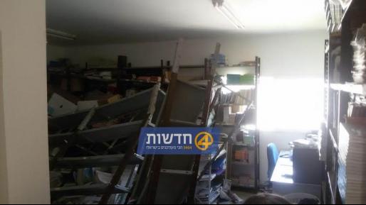 תלמידות נפגעו קל מקריסת כוננית ספרים בבית ספר בסאסא