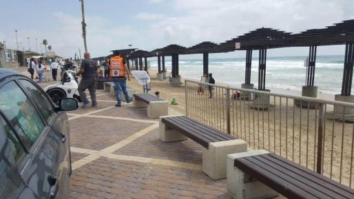 גבר כבן 60 פונה במצב קשה לאחר שטבע בחוף דדו בחיפה
