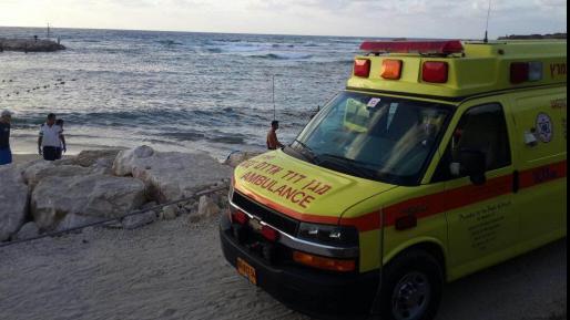 בן 30 נמשה מהמים בחוף נהריה – מצבו קשה