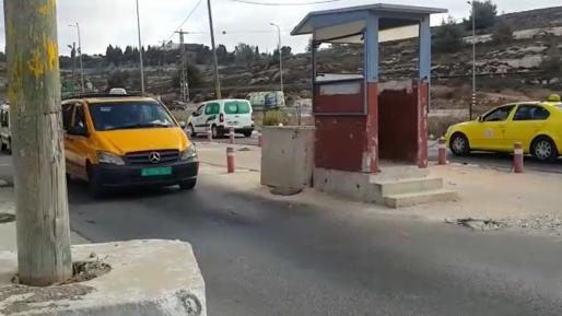 """מחבל נופף ממרחק עם סכין לעבר לוחמי גולני במחסום פוקוס ונעצר ע""""י שוטרי הרשות"""