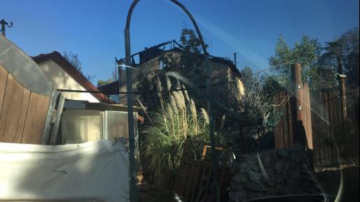 תושבת חיפה שביתה נשרף: ״צריך להתחיל הכל מחדש״. מאות בתים ניזוקו
