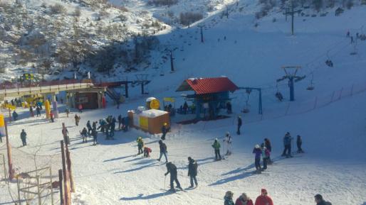 יום סקי ראשון בחרמון: מבקרים רבים פוקדים את האתר