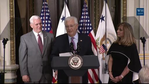 """שגריר ארה""""ב בישראל, דיויד פרידמן, הושבע בבית הלבן"""