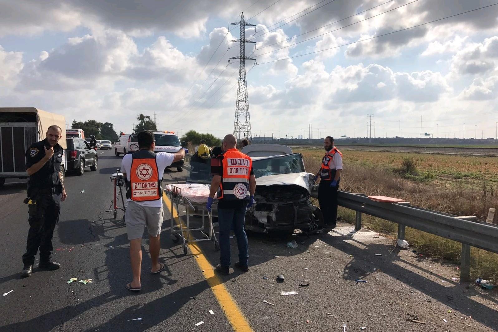 שישה פצועים בתאונת דרכים סמוך למחלף אשדוד