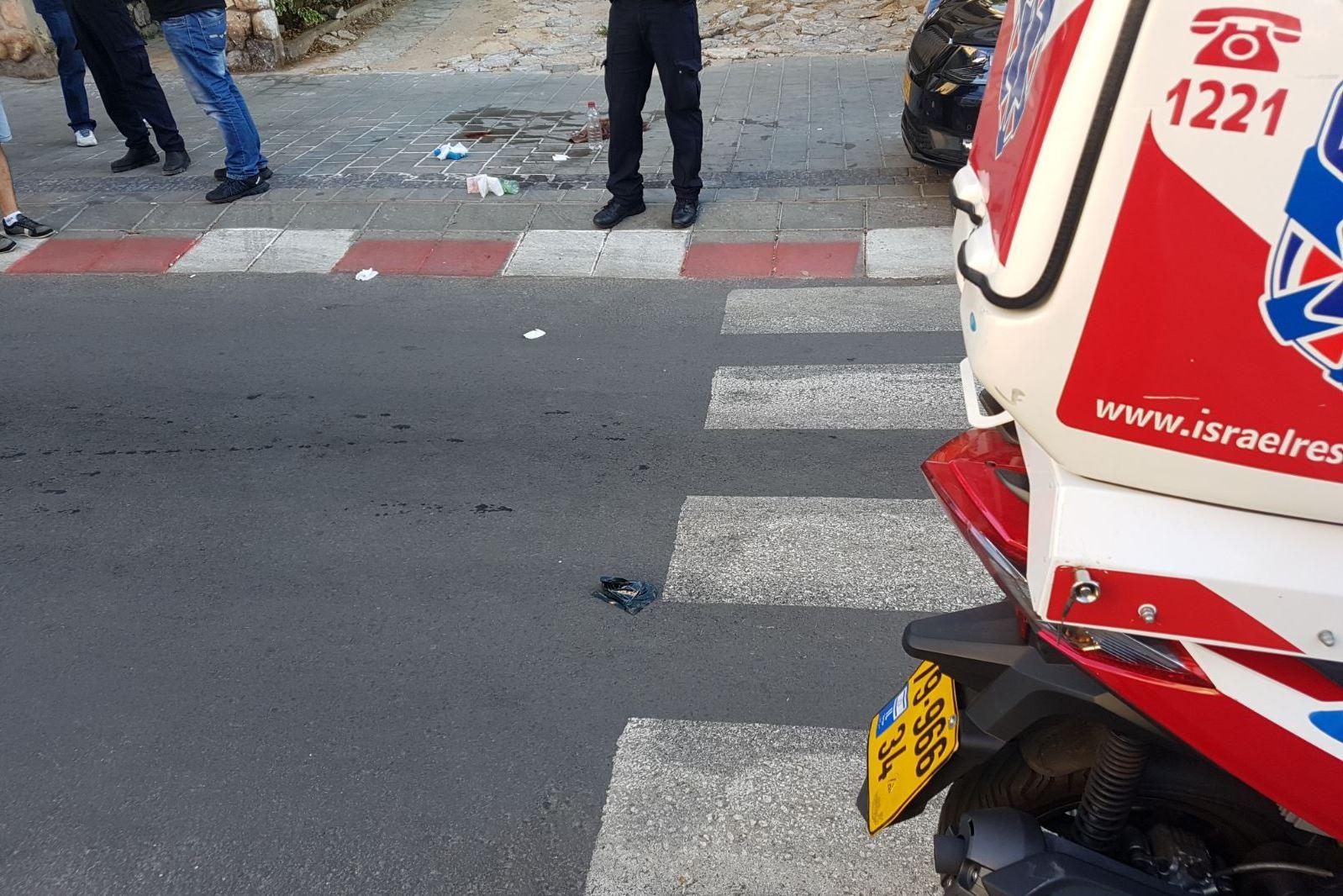 הולך רגל בן 14 נפגע מרכב סמוך לצומת חוצות – מצבו בינוני