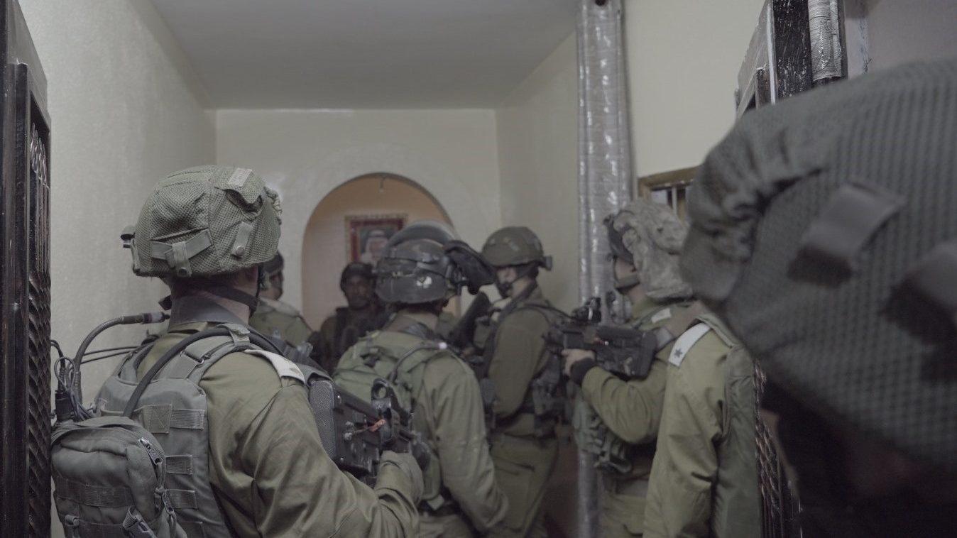 לוחמינו החרימו בתרקומיא אקדח ותחמושת. 2 מבוקשים נעצרו ביהודה ושומרון