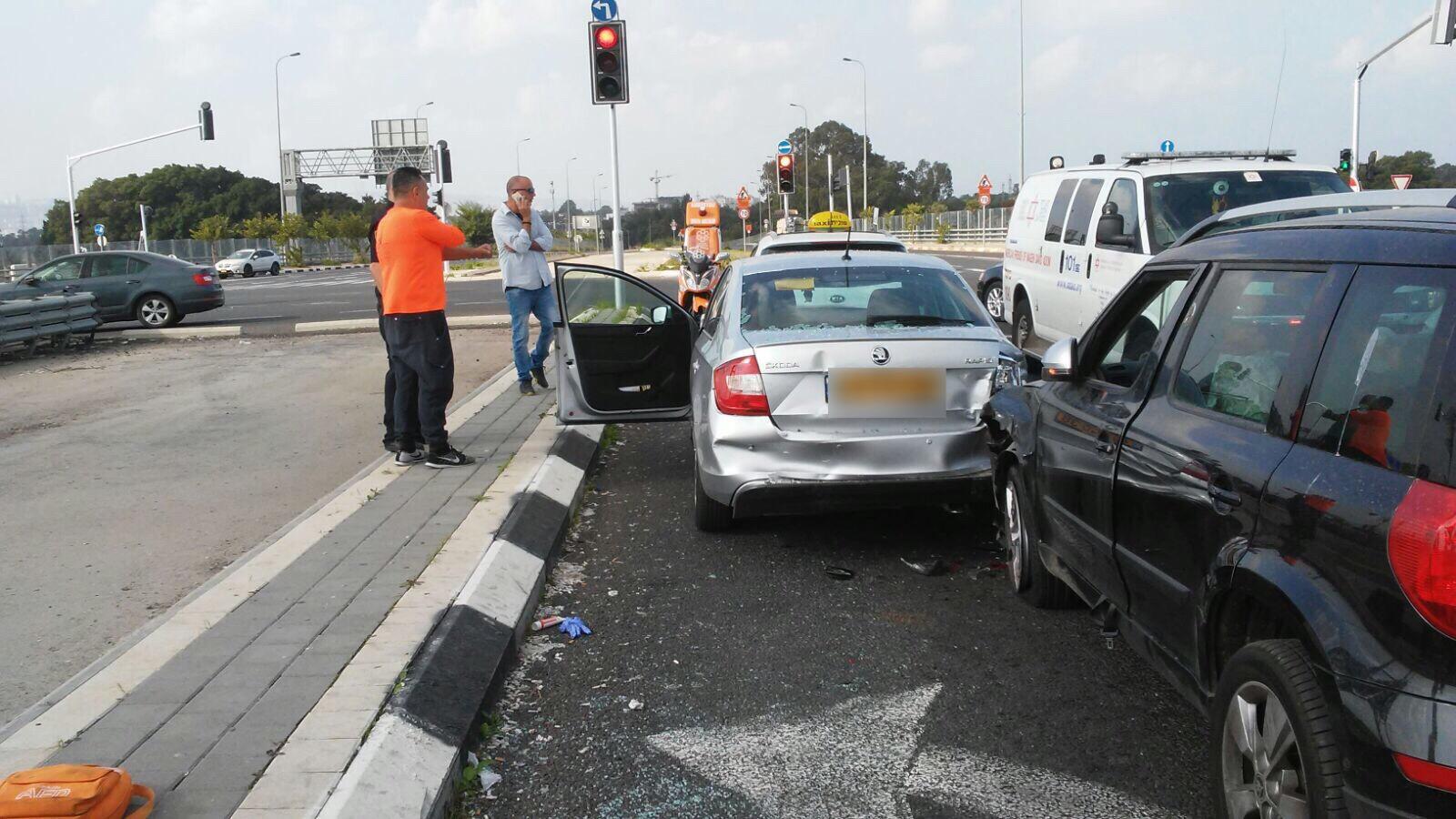 פצוע אנוש בתאונת דרכים במחלף אתא בכביש עוקף קריות