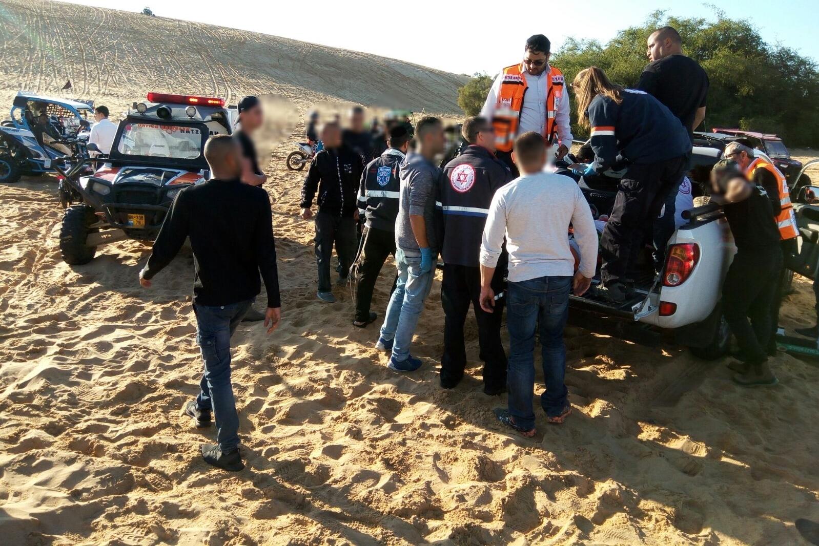 צעיר נפל מטרקטורון נוסע בדיונות באשדוד ונפצע בינוני