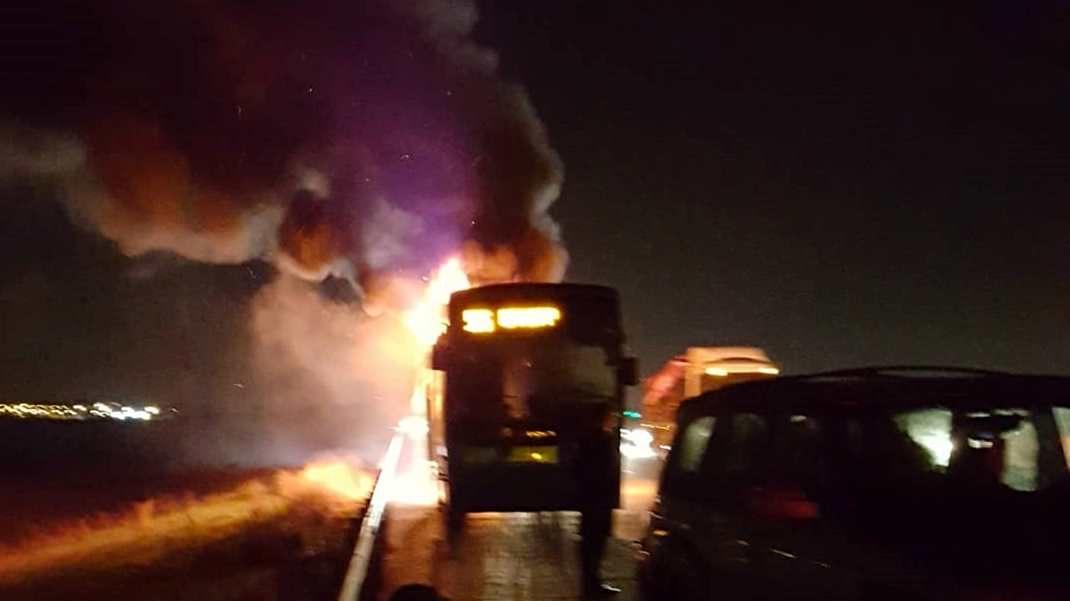 בעקבות שריפת אוטובוס: כביש 6 לדרום נחסם לתנועה בין מחלף אייל למחלף חורשים