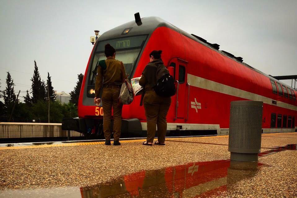 עבור כוחותינו: רכבת נוספת המיועדת ל-1,000 נוסעים תצא בראשון בבוקר מנהריה לבאר שבע