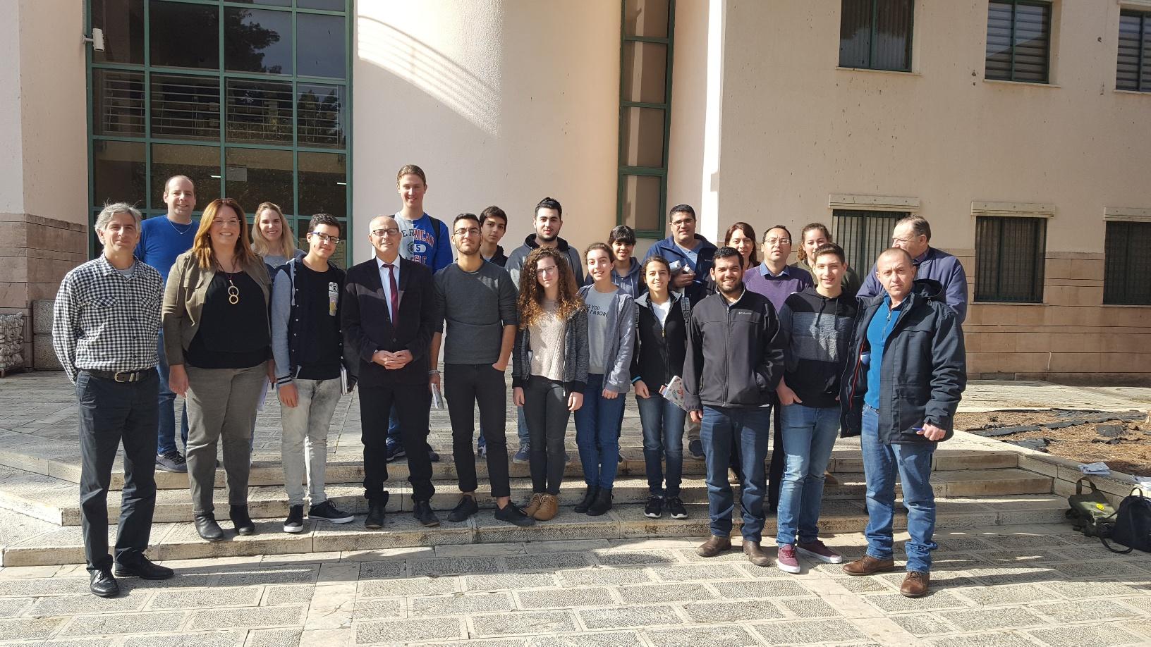 יום חילופי השלטון: מועצת הנוער החליפה ליום אחד את הנהלת עיריית נשר