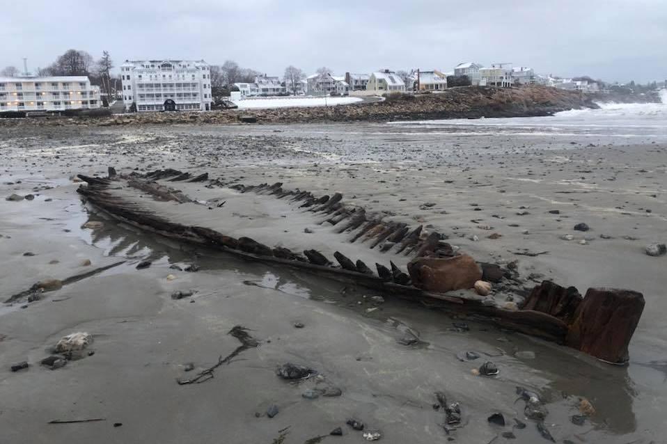 כמו דג ענק: שרידי ספינה מהמאה ה-18 נחשפו מול חופי ארצות הברית