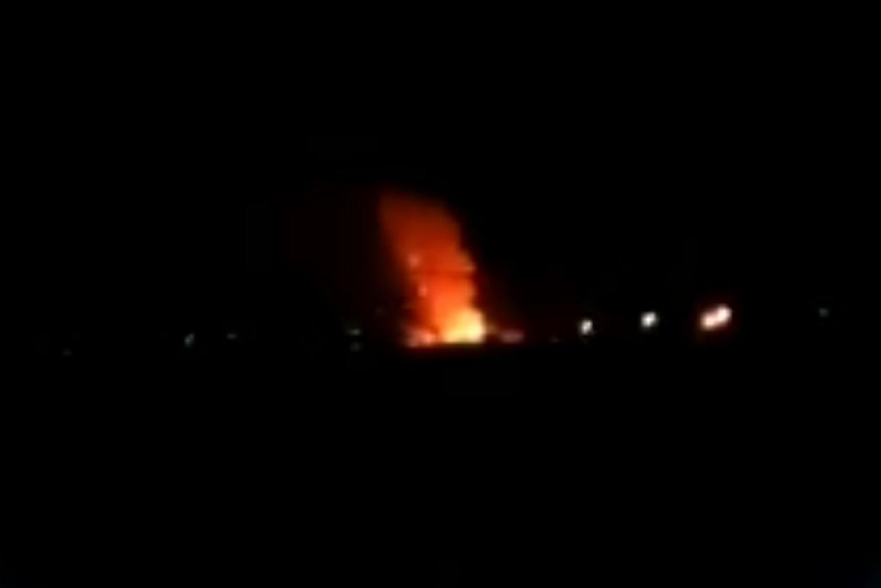 איראן: פיצוץ רב עצמה אירע בבסיס צבאי ובעקבותיו פרצה שריפת ענק