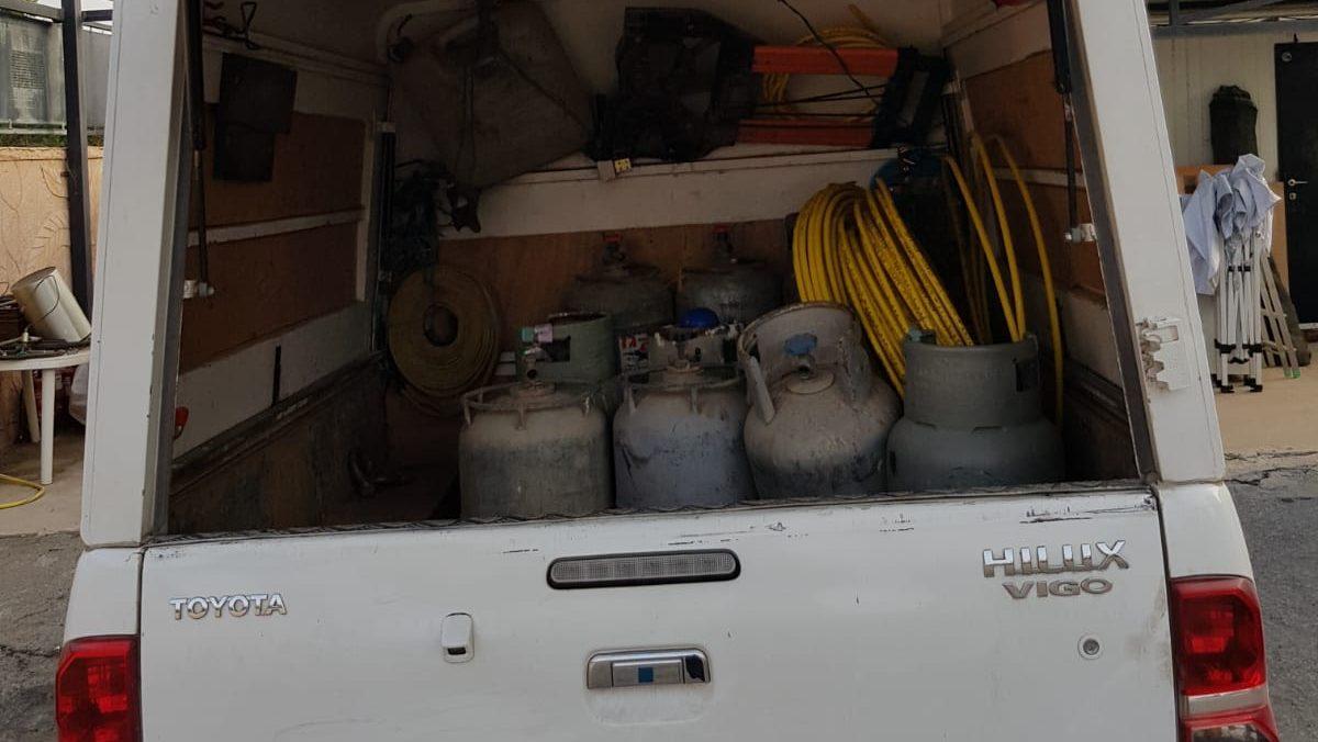 רכב בלתי מורשה להובלת בלוני גז נתפס והוחרם בקריית אתא