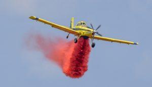 שריפת יער פרצה סמוך ליישוב הררית – מטוסי כיבוי פועלים במרחב