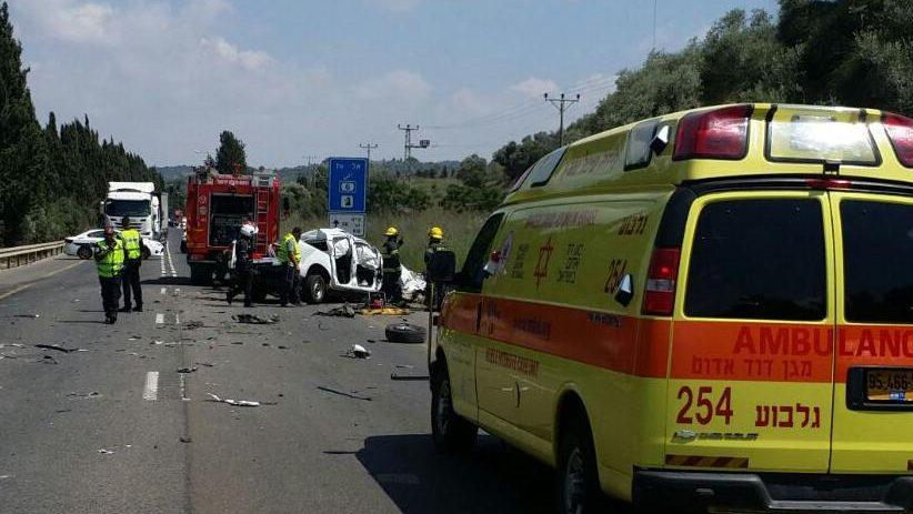 בן 50 נהרג בתאונת דרכים בין משאית לרכב פרטי סמוך לצומת מגידו