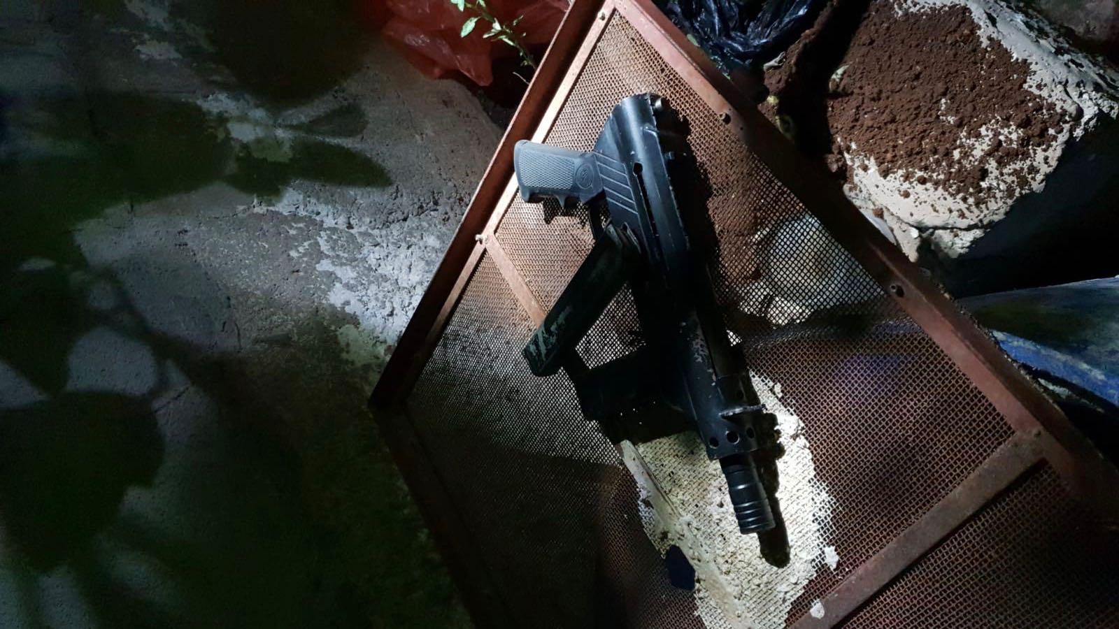 הטרור הערבי: חמישה מבוקשים נעצרו, נשק ומטען חבלה נתפסו
