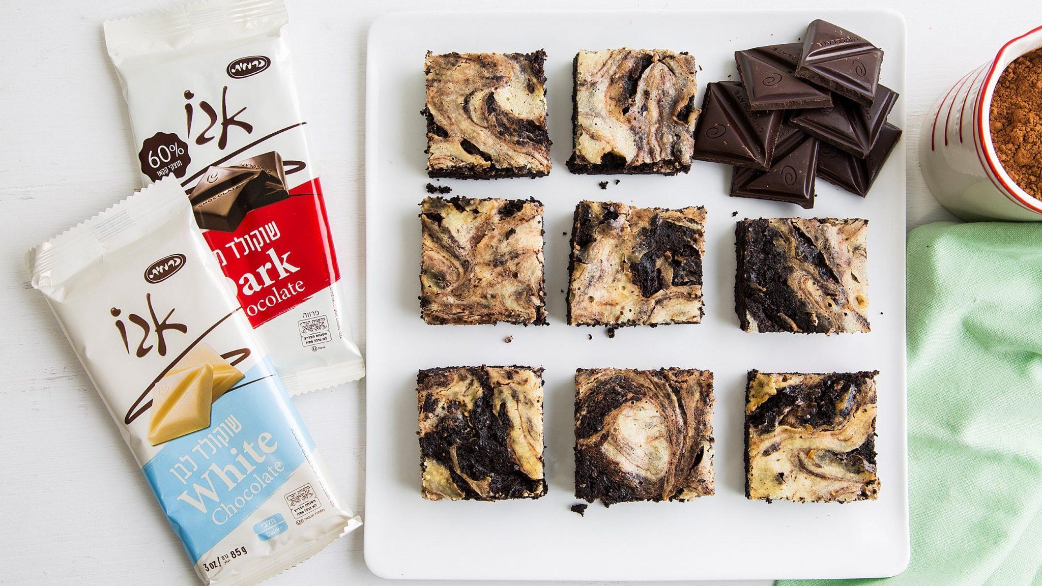 מתכון עשיר ומפנק – בראוניז משויש עם שוקולד וגבינה