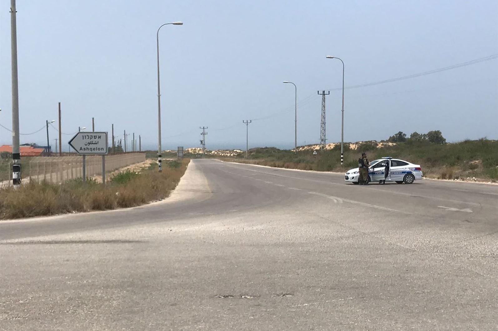 ההסלמה בדרום | צה״ל חוסם כבישים בעוטף, חוף זיקים נסגר למבקרים