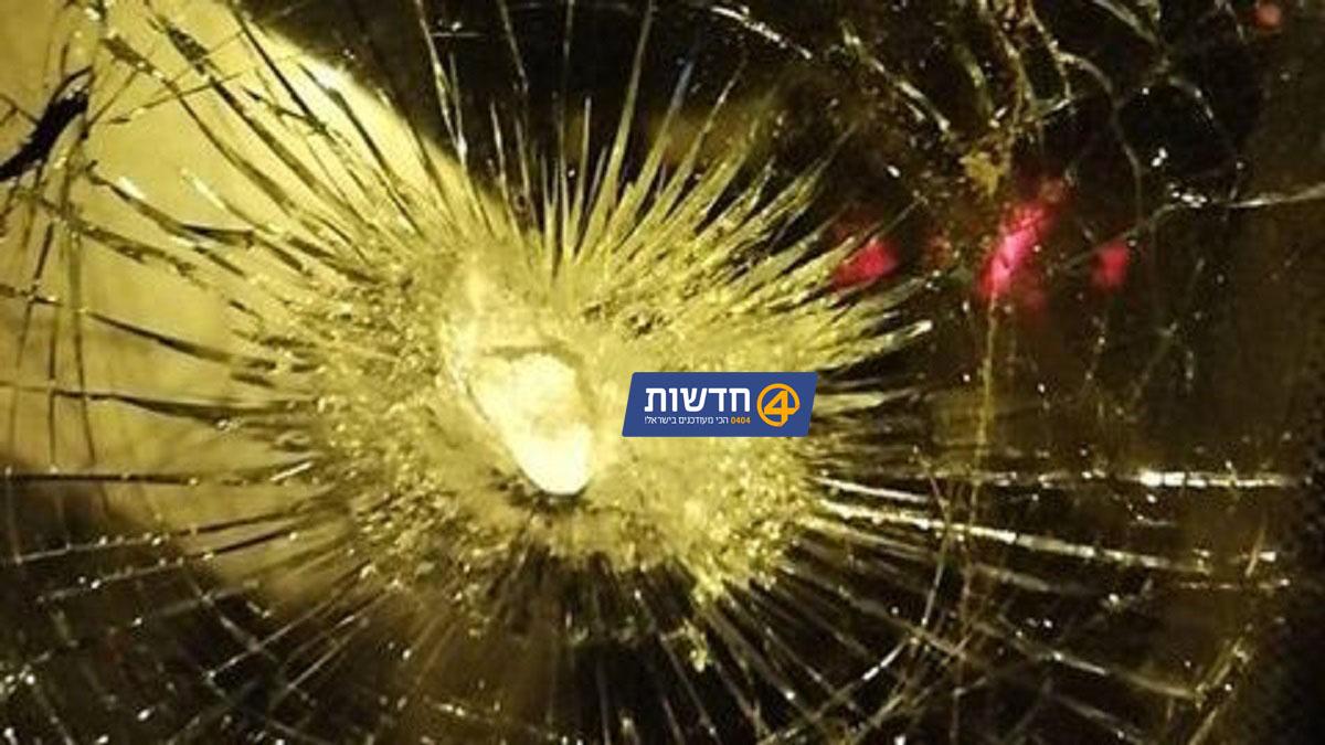 פרסום ראשון: קליע תועה פגע ברכב עם שלושה נוסעים בפסגת זאב