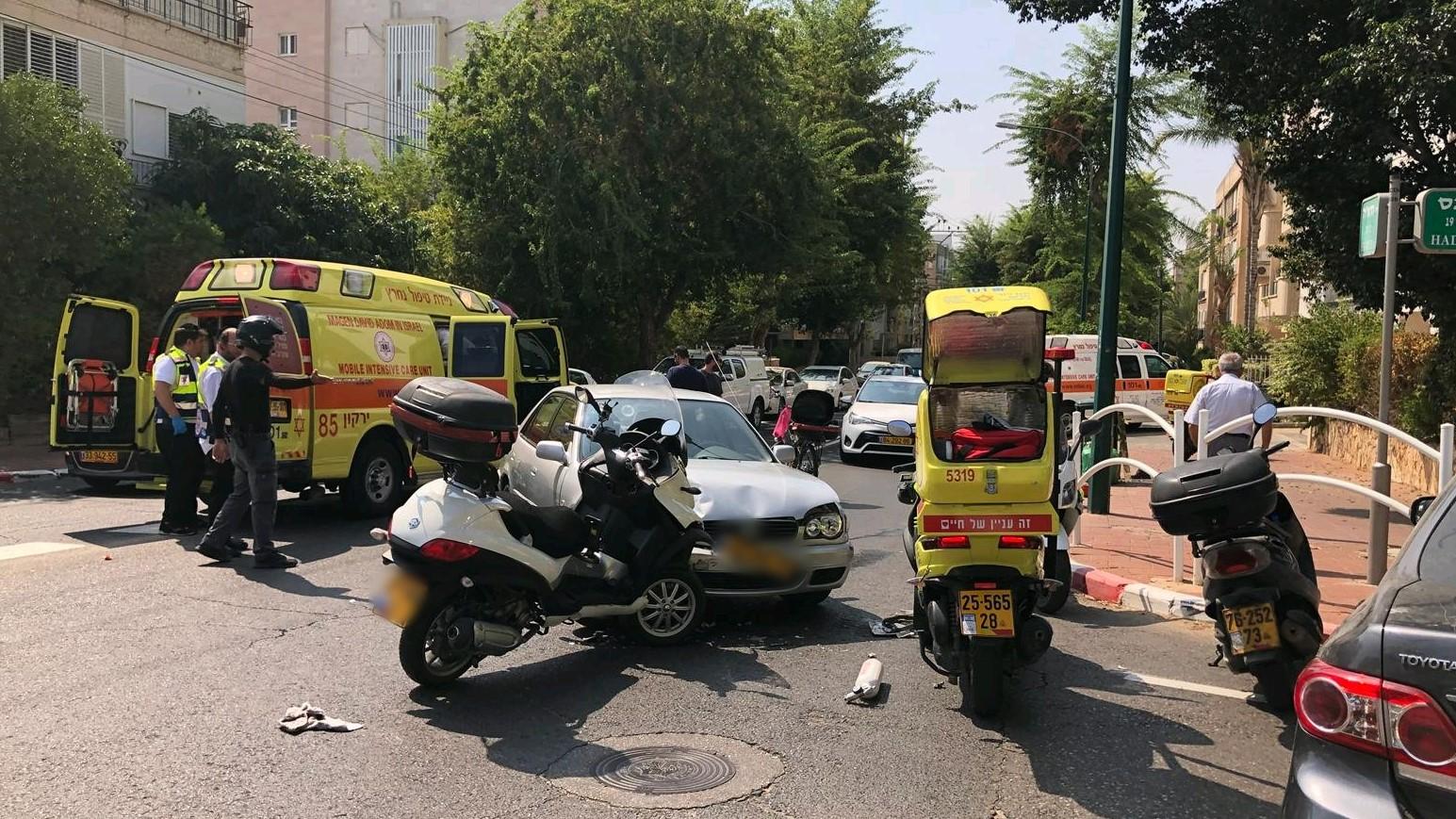 רוכב אופנוע נפצע קשה בתאונה ברמת גן