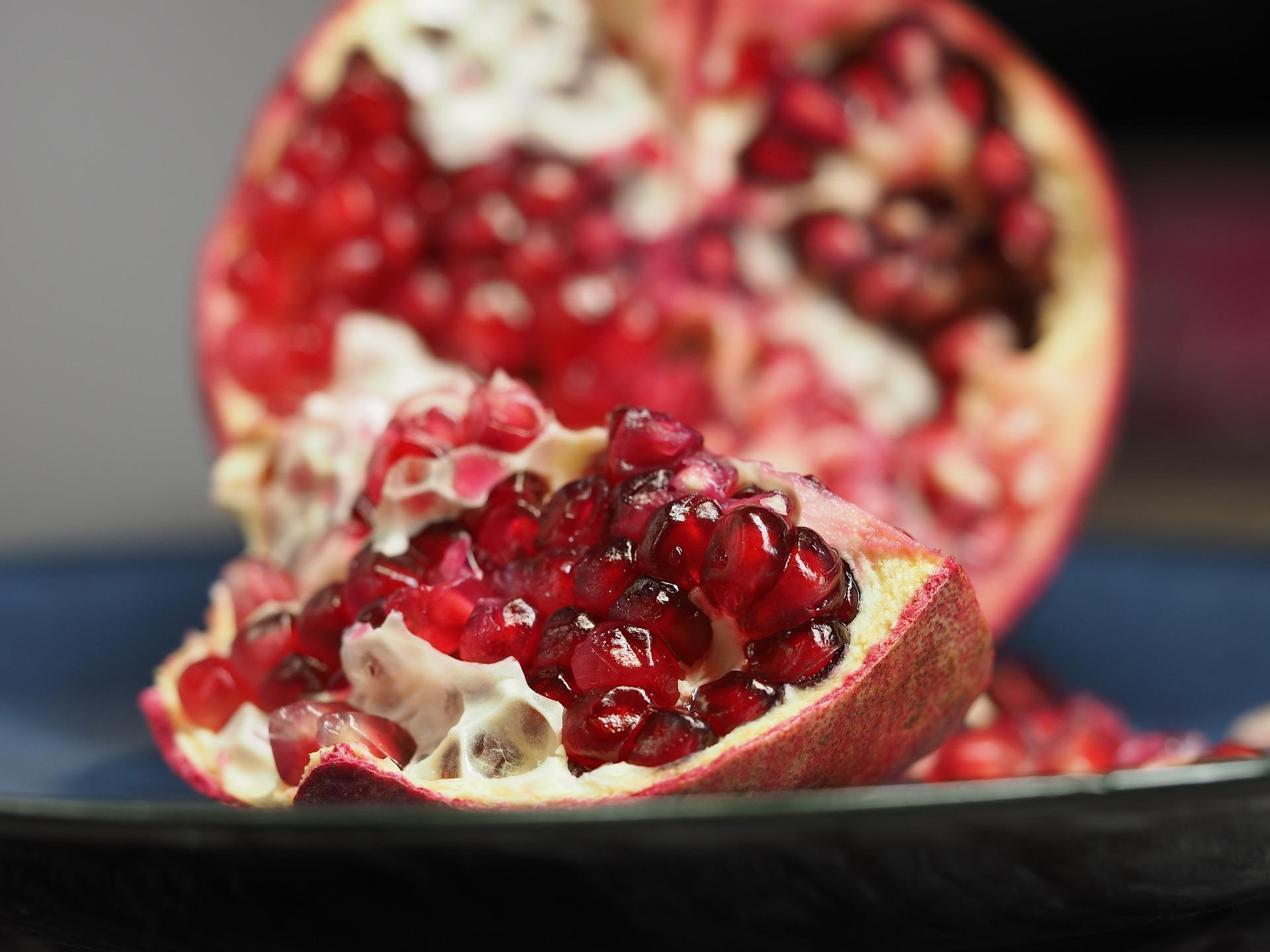 מצאנו 5 סיבות מצויינות למה כדאי לכם לאכול רימון
