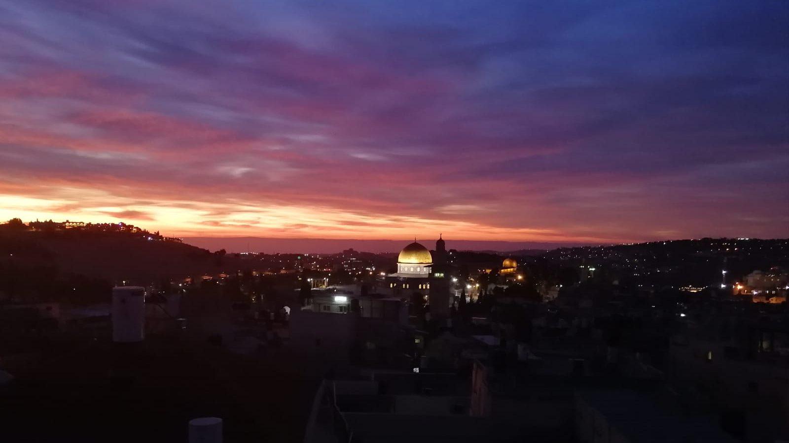 ארצנו היפה: הזריחה הבוקר במבט מהעיר העתיקה בירושלים