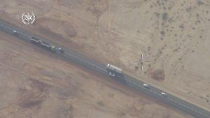 """צפו בטירוף בכביש 90: שיירת רכבים חוצה קו הפרדה רצוף במהירות של 200 קמ""""ש"""