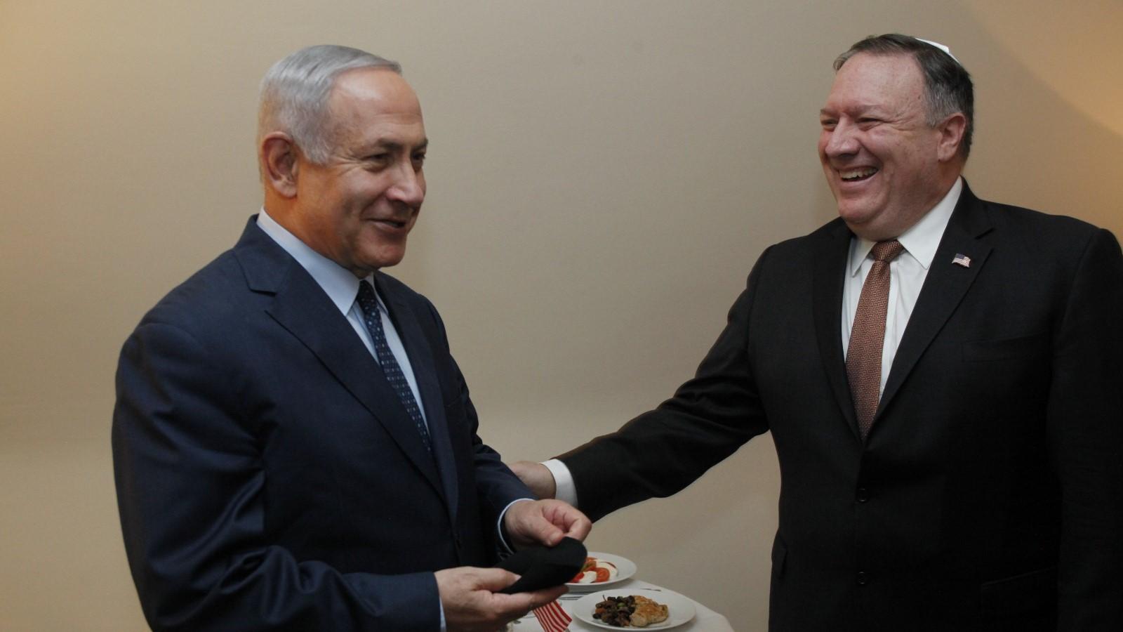נתניהו הדליק נר שני של חנוכה עם מזכיר המדינה האמריקני