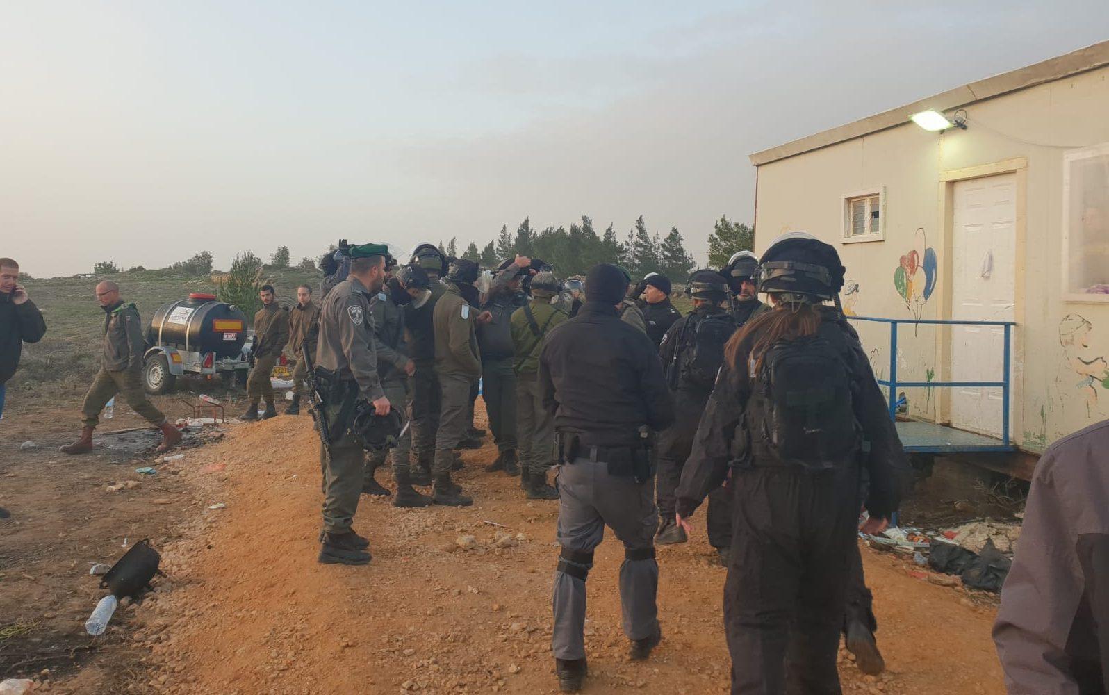 """אריאל: """"קורא לנתניהו להורות על הפסקת הגירוש מעמונה ולהעביר את הכוחות לחאן אל אחמר"""""""