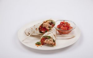 המנה למדורה : טונה מעושנת בגלילות טורטייה
