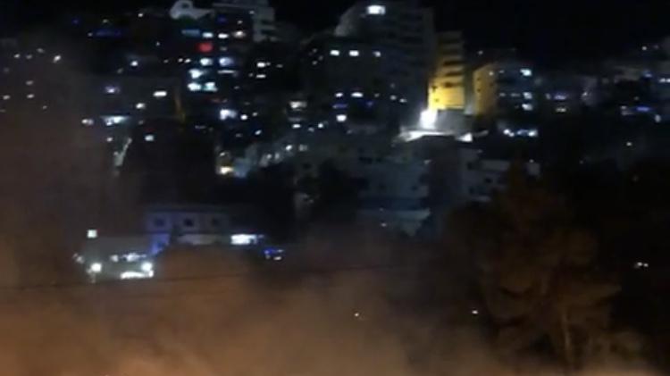 מחבלים השליכו בקבוקי תבערה סמוך לשכונת פסגת זאב – מספר שריפות פרצו במקום (צפו)