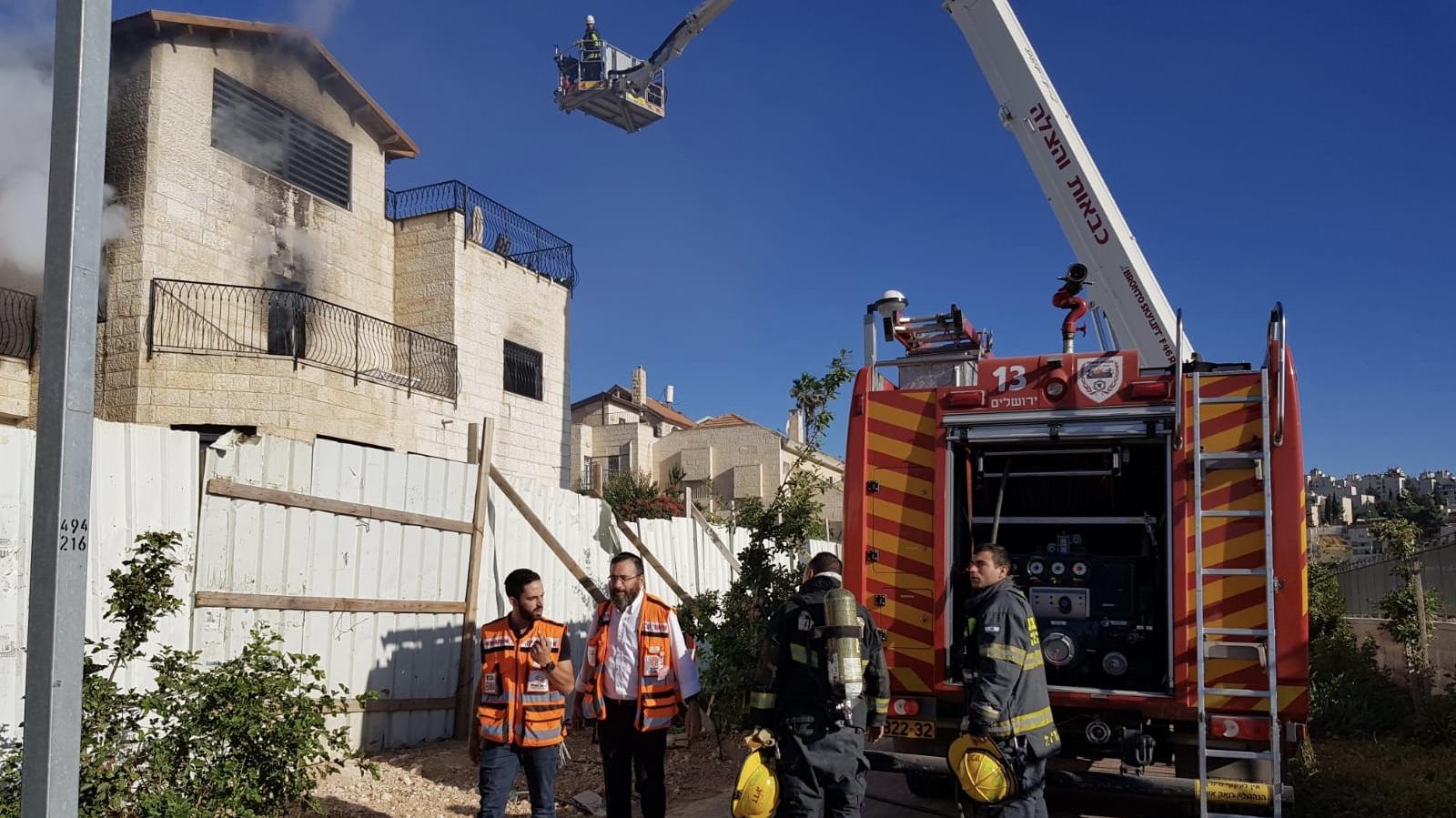 בת 40 נפצעה באורח בינוני בשריפה שפרצה בבניין בירושלים