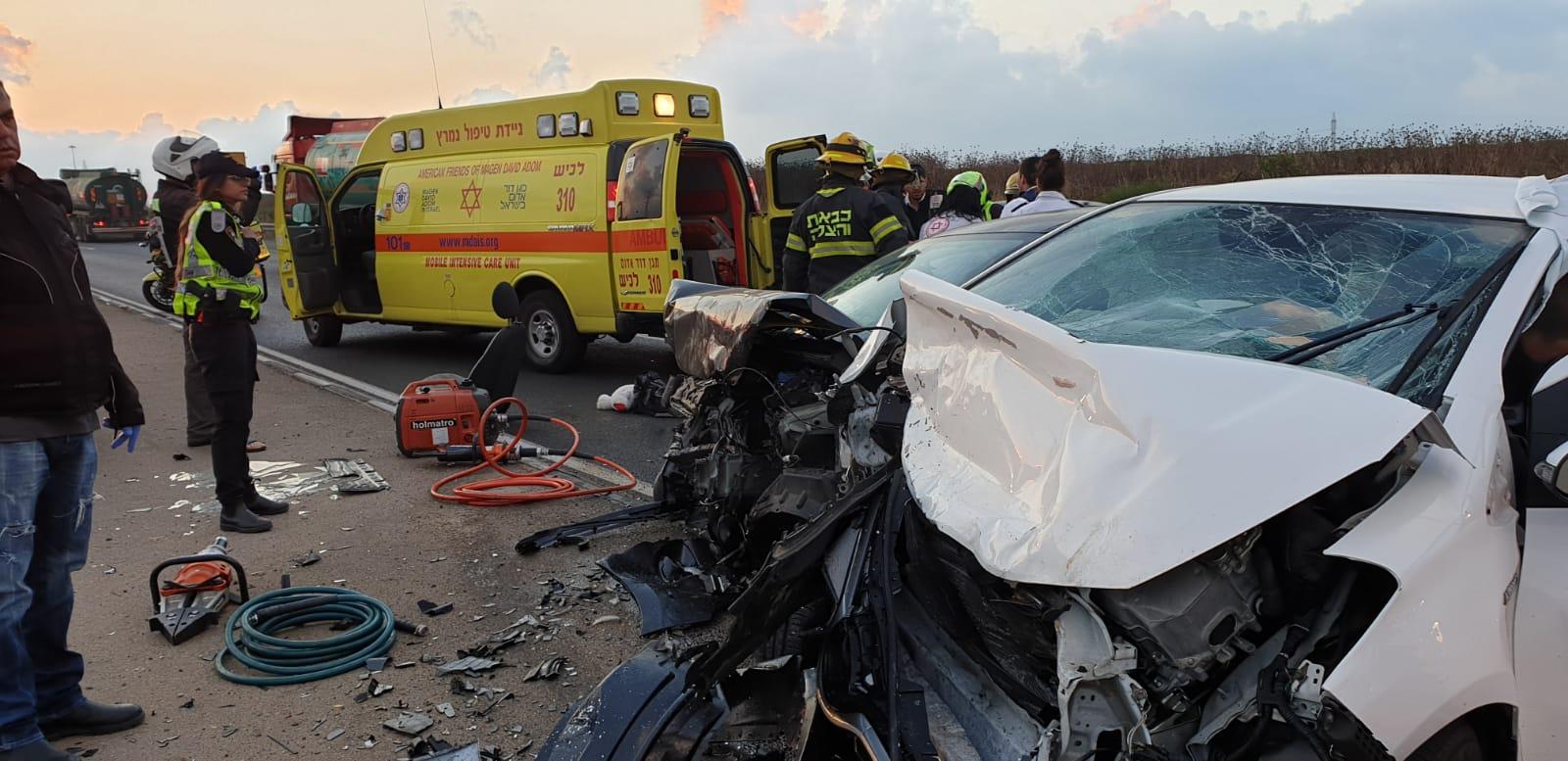 שני פצועים בינוני בתאונת דרכים בצומת ניר גלים, סמוך לאשדוד