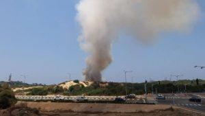 שריפת חורש גדולה מתפשטת באזור נחל לכיש – כוחות כיבוי גדולים פועלים במרחב