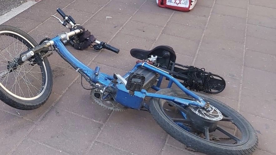 קרית אונו: רוכבת אופניים כבת 20 נפצעה באורח בינוני בתאונת דרכים
