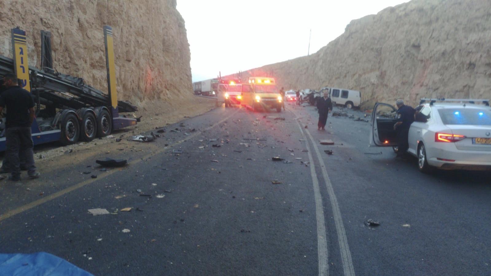 גבר כבן 50 נפצע באורח קשה בתאונת דרכים סמוך לצומת פארן