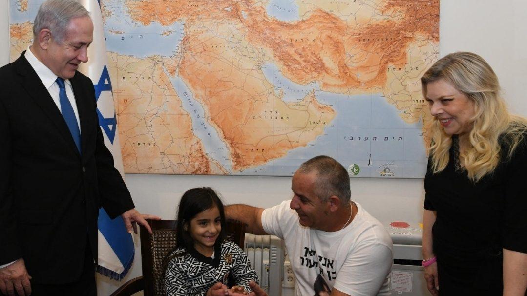 """חולמת להיות ראש הממשלה: נתניהו אירח את ליאן בת ה-7, המתמודדת עם מחלה נדירה, במשרד רה""""מ"""