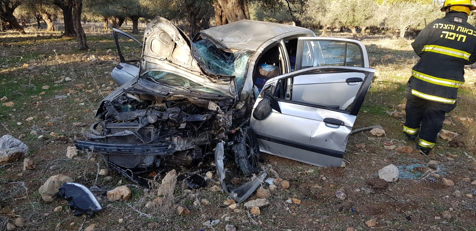 רכב התהפך סמוך למחלף אלייקים – שני בני אדם נפצעו באורח קל ובינוני