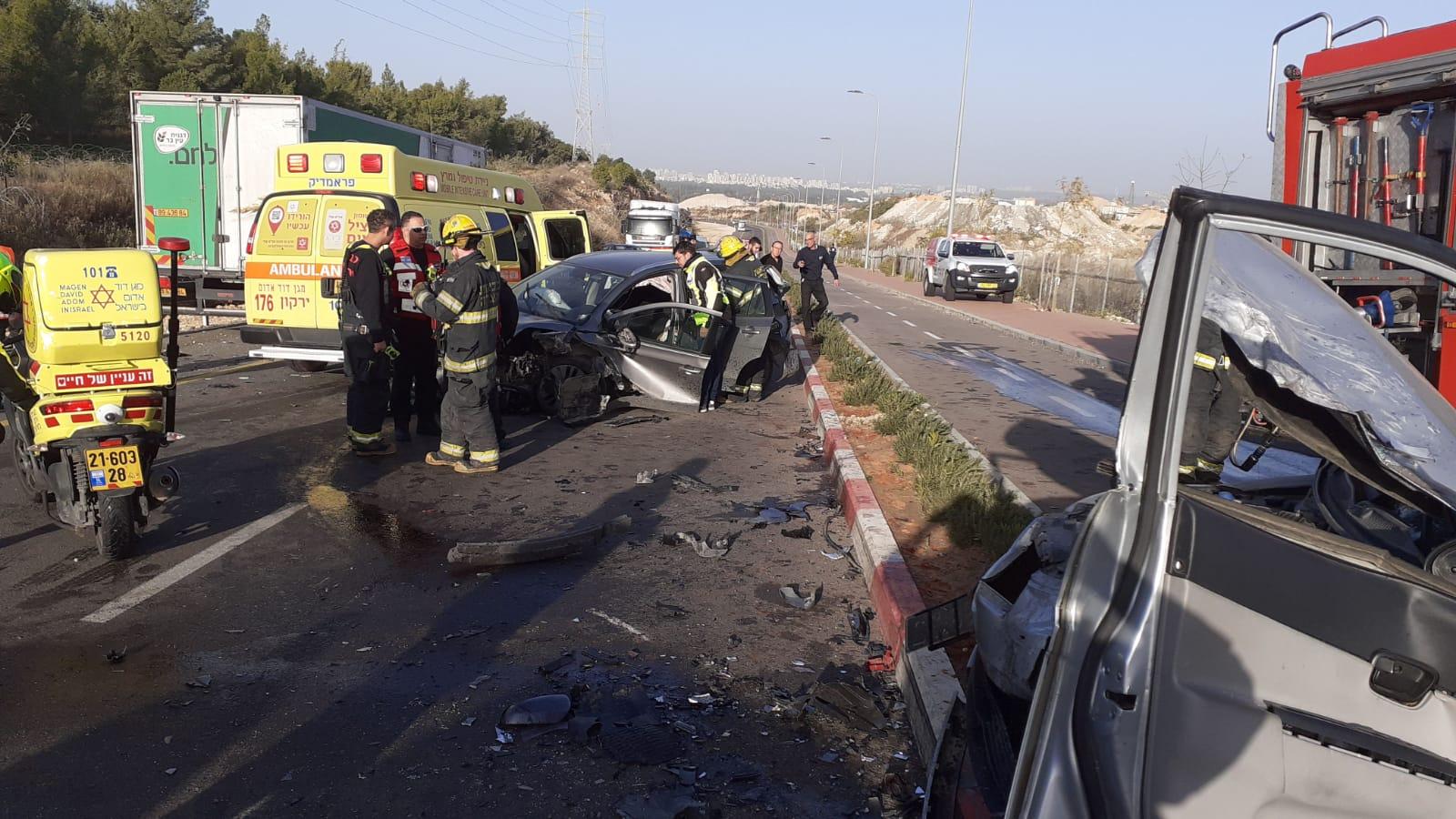 פצוע קשה בתאונת דרכים בין משאית לרכב סמוך לאלעד