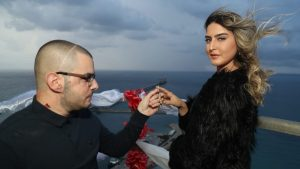 הצעת נישואין מארובה בגובה 250 מטרים בחברת חשמל