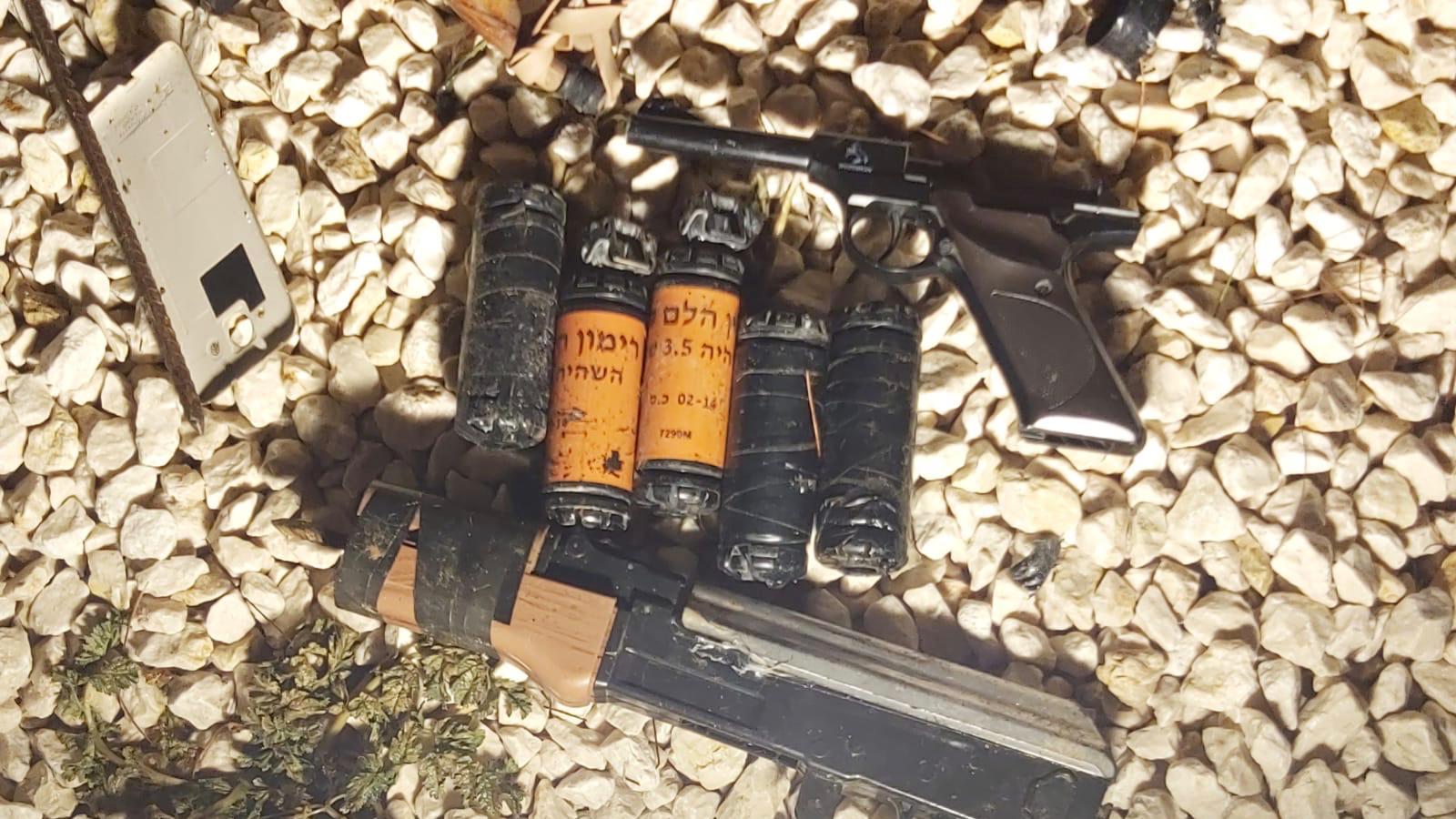 פרסום ראשון: כוחותינו עצרו תשעה מבוקשים באיו״ש ותפסו כלי נשק   צפו