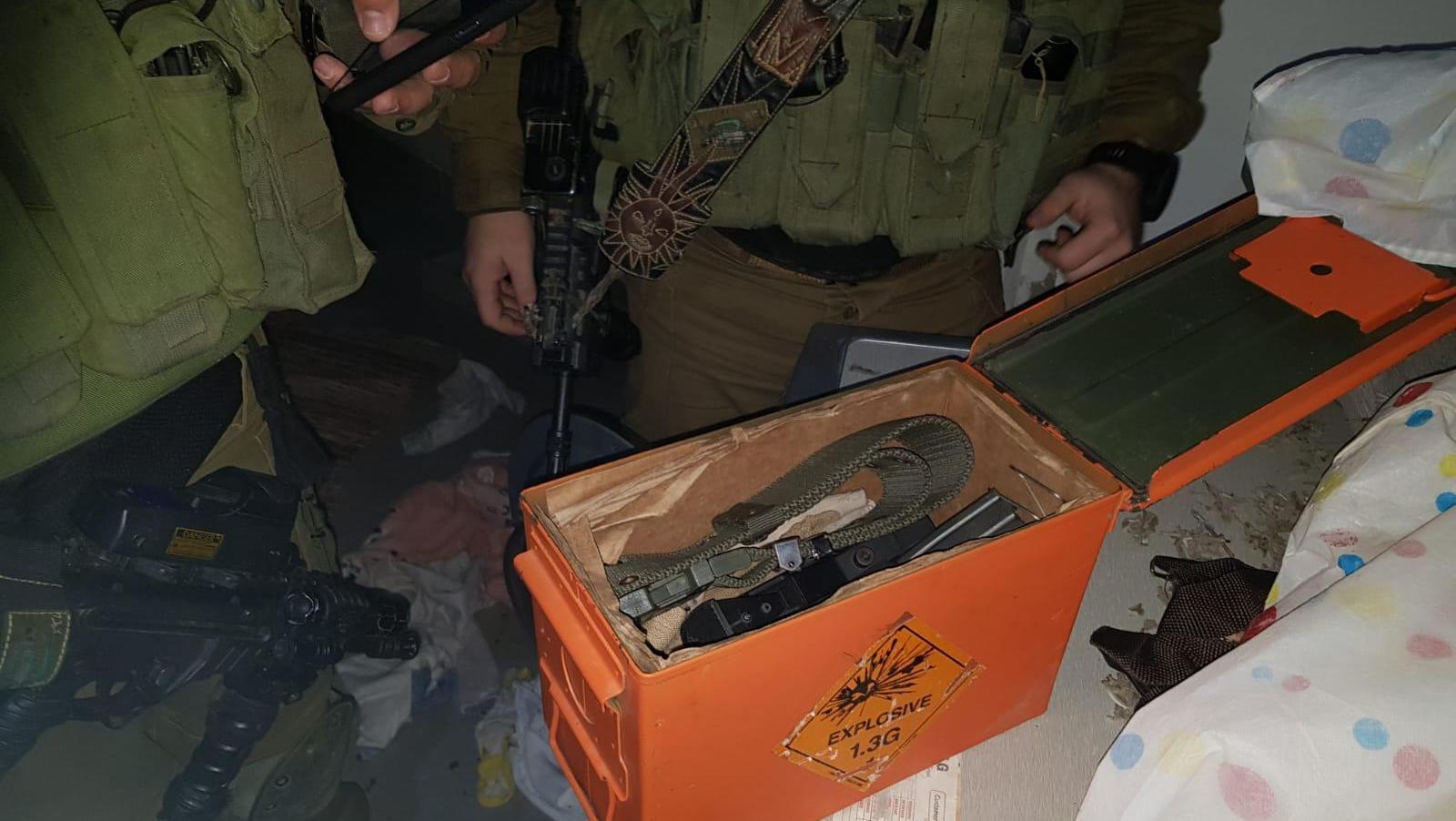 לוחמי גבעתי עצרו חמישה מבוקשים בכפר עקב ותפסו נשק