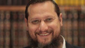 """הרב יצחק נריה בפנייה לציבור הדתי: """"שמרו על ההנחיות – אין לארגן מניינים לתפילה"""""""