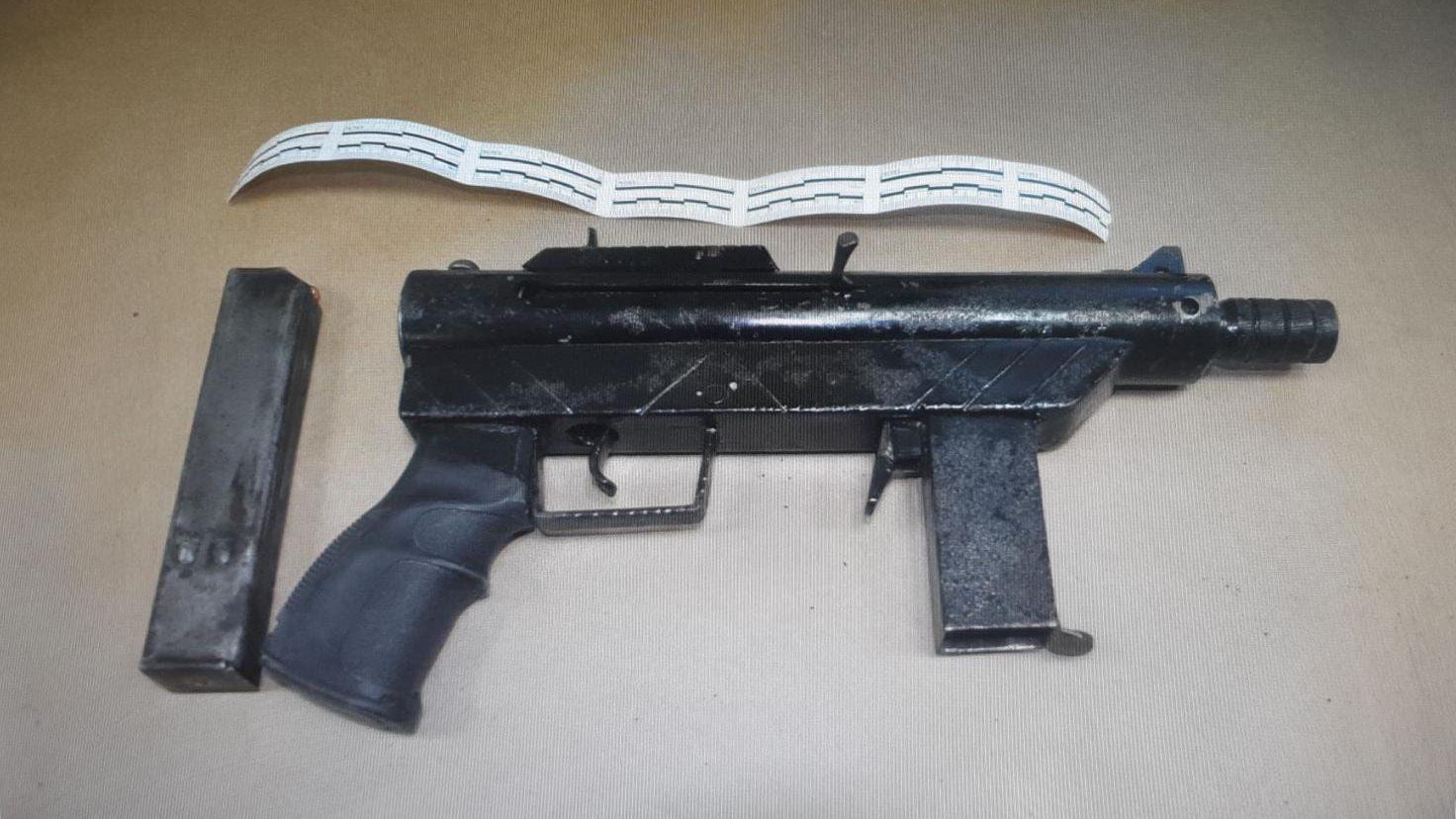 גבר מטייבה נעצר לאחר שהחזיק נשק בביתו – כתב אישום ובקשת מעצר הוגשו כנגדו